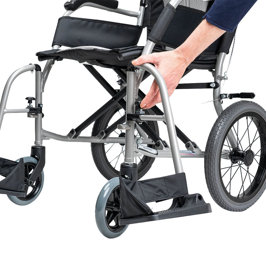 Karma Ergo Lite Deluxe Transit - Swingaway and removable legrests